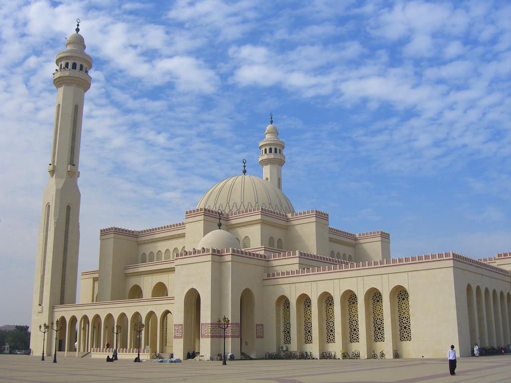 Masjid Around The World-al-fateh-mosque-manama-bahrain-jpg