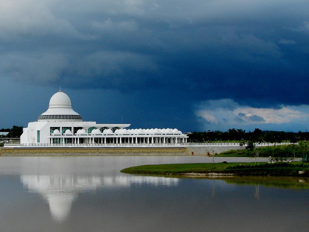 Masjid Around The World-nour-mosque-malaysia-jpg