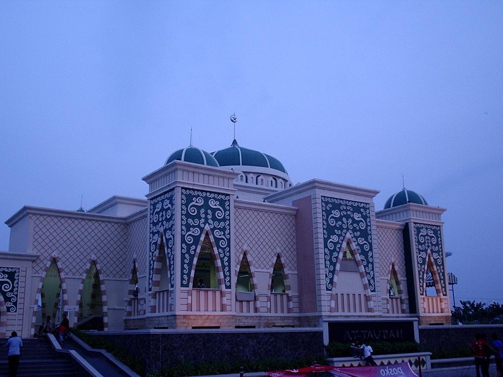 Masjid Around The World-taubah-mosque-jakarta-indonesia-jpg
