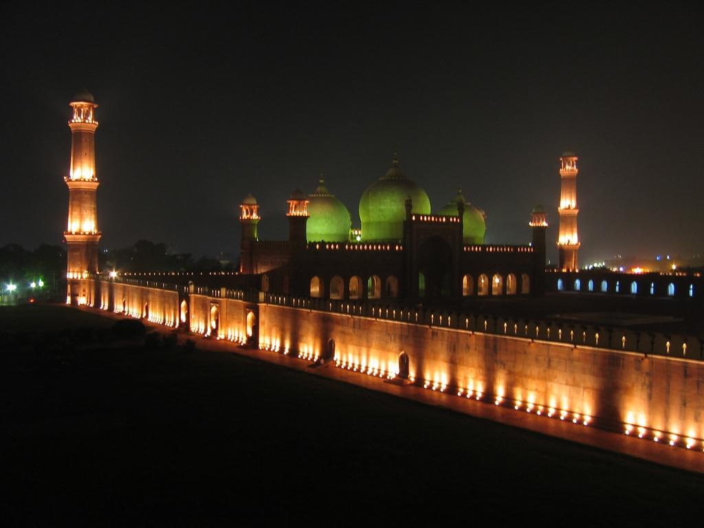 Masjid Around The World-badshahi-mosque-lahore-pakistan-night-jpg