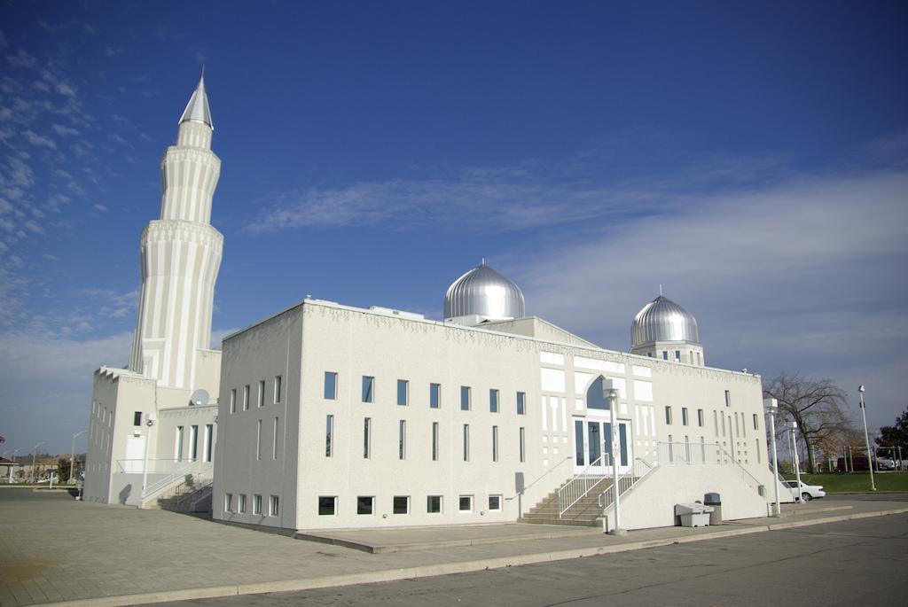 Masjid Around The World-baitul-islam-mosque-canada-jpg