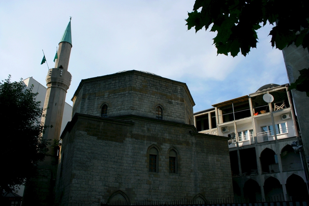 Masjid Around The World-bayrakli-mosque-belgrade-serbia-jpg