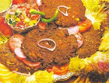 Eid-ul-Azha Special-chapli-kabab-jpg