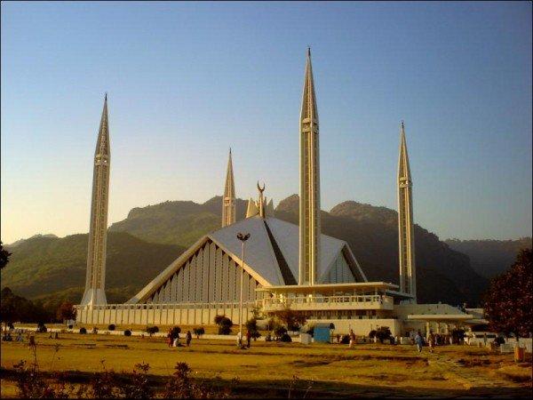 Sha-Faisal-Masjid-93184_1814462327_3fe4b988b5_o600x4501_1-jpg