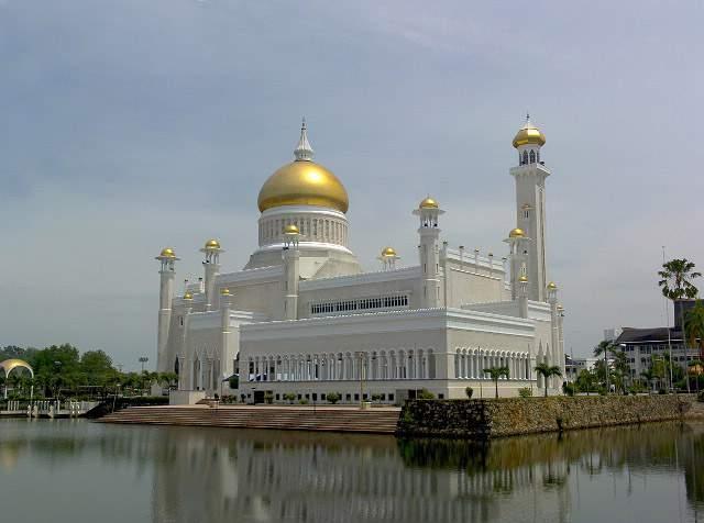 Omar Ali's Masjid in Brunei-f19j89-jpg