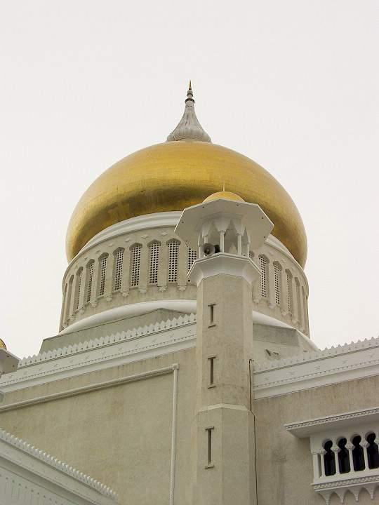 Omar Ali's Masjid in Brunei-micj1x-jpg