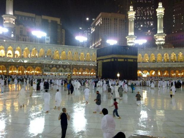 beautiful pics of kabaa during rain-pic-1-jpg