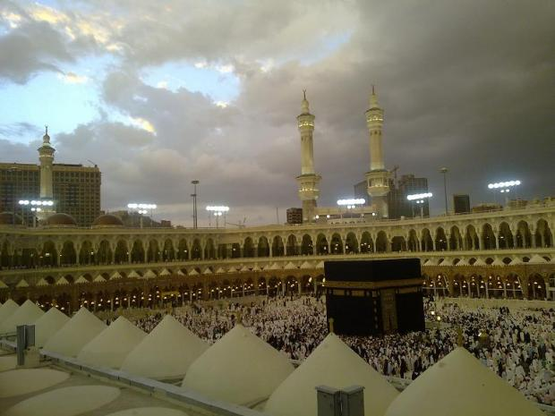 beautiful pics of kabaa during rain-pic-3-jpg