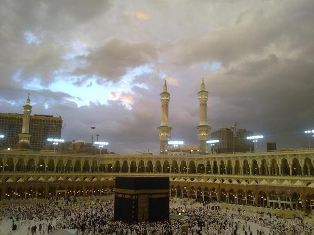 beautiful pics of kabaa during rain-pic-4-jpg