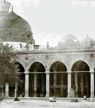 Islamic Pictures-green_dome-001-jpg