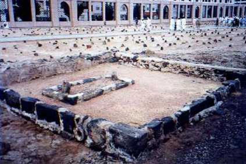 Madina Munawara - (Janat-ul-Baqee)-grave-hazrat-haleema-saadia-jpg