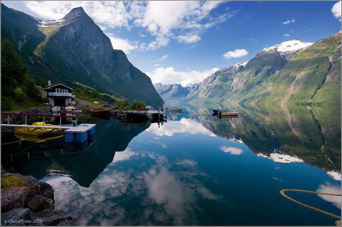 Mindblowing reflection Lake photos-4dda66181fa0a7-80251323frogview-gallery-jpg