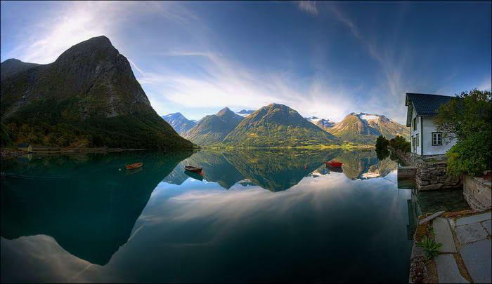 Mindblowing reflection Lake photos-4dda6617ddc2c8-52028711frogview-gallery-jpg